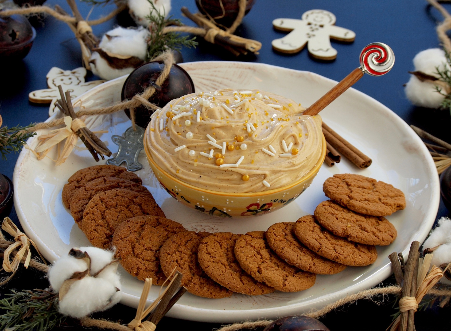 Gingersnap Cheesecake Dip